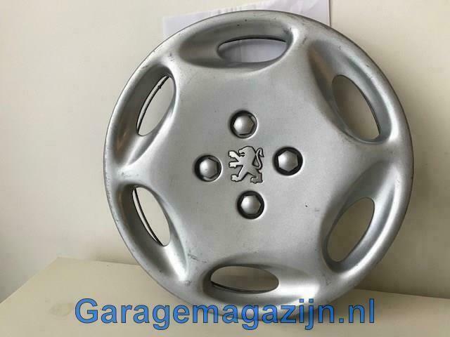Wieldop 13 inch Peugeot 106 9628050077 gebruikt.