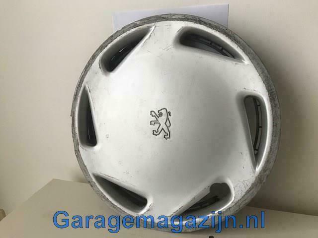 Wieldop Peugeot 306 13 inch met stoeprandschade 9611081580A