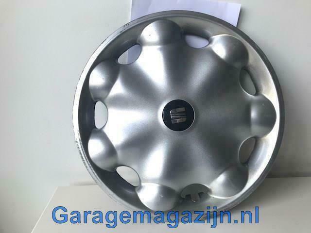 Wieldoppen 14 inch Seat Ibiza 6K0601147F beschadigd