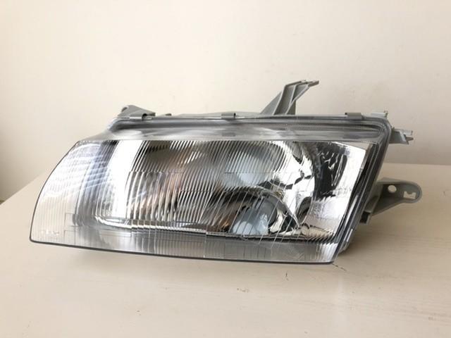 Koplamplinks 216-1135L-LD-E Mazda 323 S V Sedan (BA) 97-