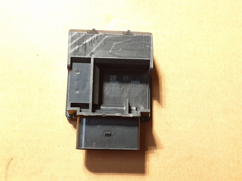 2Q0906121 Polo 2G Brandstofmodule Pompmodule Regelapparaat