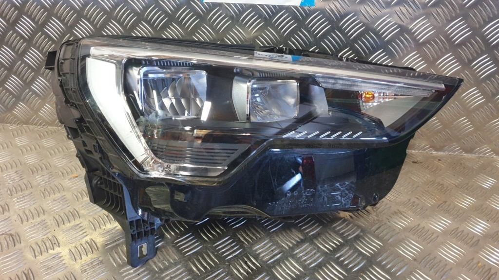 Audi Q3 F3 Full LED Koplamp rechts 83A941012