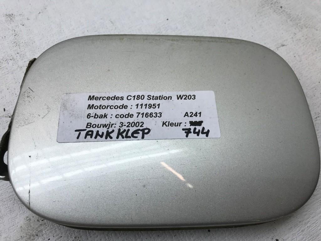 Benzineklep Mercedes C-klasse C180  ('01-'07) A0005843117