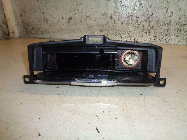 Asbak voor Ford Mondeo IV Titanium ('07-'14) 8M21U04788