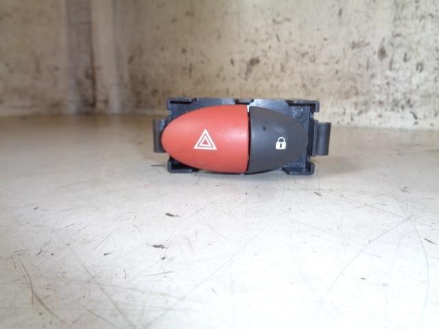 Alarmlichten schakelaar Renault Twingo II 1.2 16V Authentique ('07-'14) E3160101