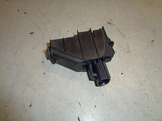 Centrale vergrendeling motor brandstofklep Ford Mondeo IV 2.0-16V Titanium ('07-'14) 6M21220A20AD