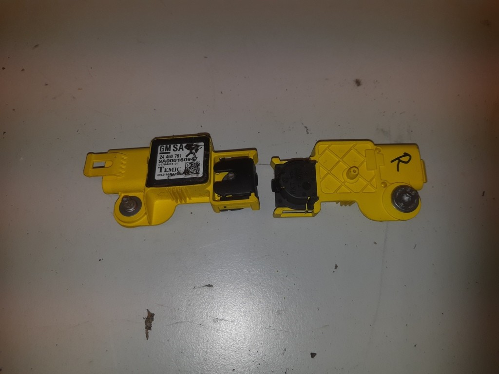 Airbag sensor temicOpel Astra H  ('04-'09)24460761