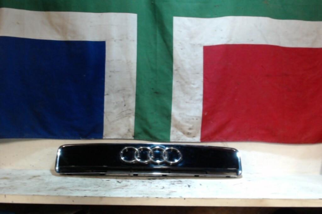 Grille Audi A2 8z0853631origineel