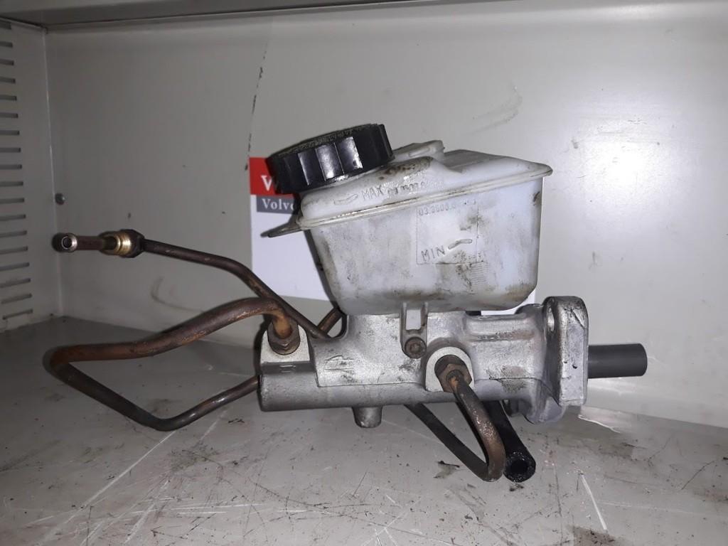 HoofdremcilinderVolvo V70 II 2.4 D5 ('00-'08)8646007