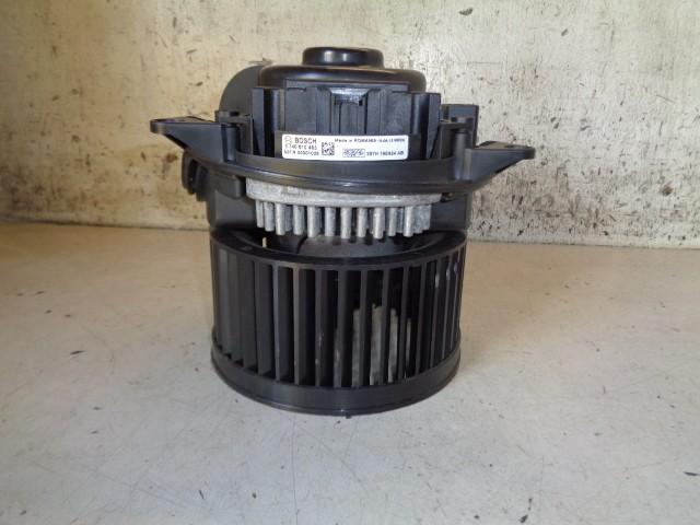 Kachelventilatormotor Ford Focus I 1.8 TDdi Ambiente ('98-'05) 3S7H19E624AB