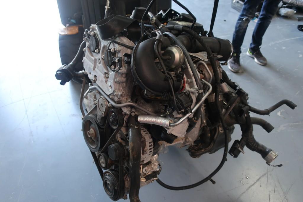 Motorblok270910Mercedes A-klasse W176 180 )270910