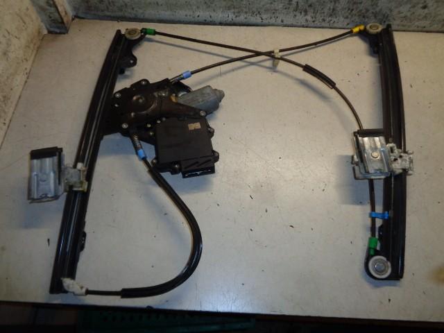 Raammechaniek linksvoor 3-deurs elektrisch Volkswagen Golf III 1.8 GL ('91-'97) H0959801A