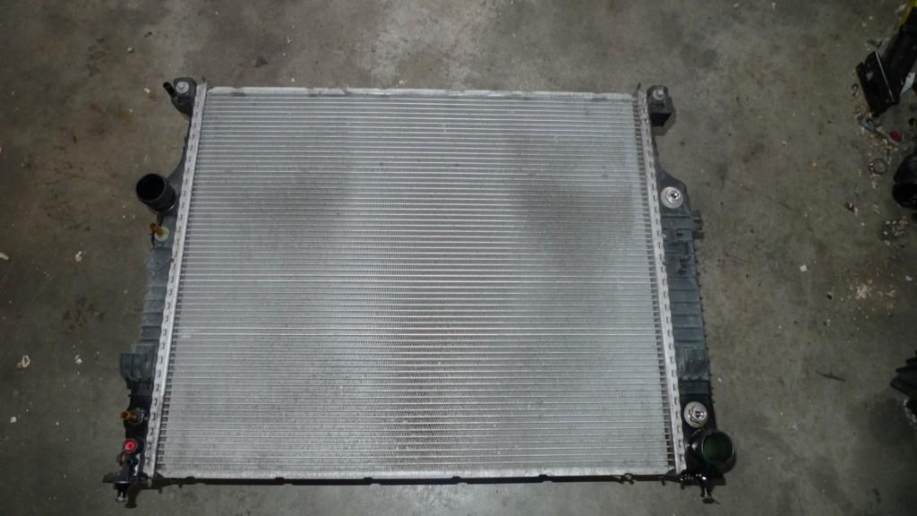 Radiateur Mercedes R-klasse W251 350 4M 6p. ('06-'13) A2515000003 A2515000403 A2515000603