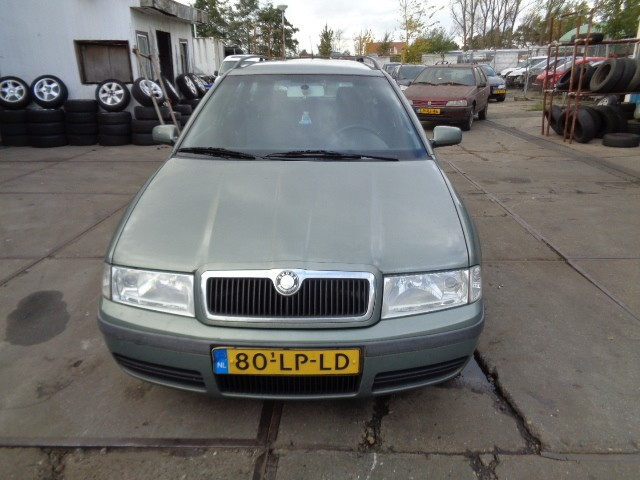 Koplamp rechts Skoda Octavia Combi 1U 1.9 TDI Collection ('98-'09) 1U1941016E