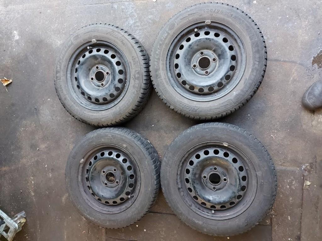 set winterbanden winterband winter wiel wielen VW up