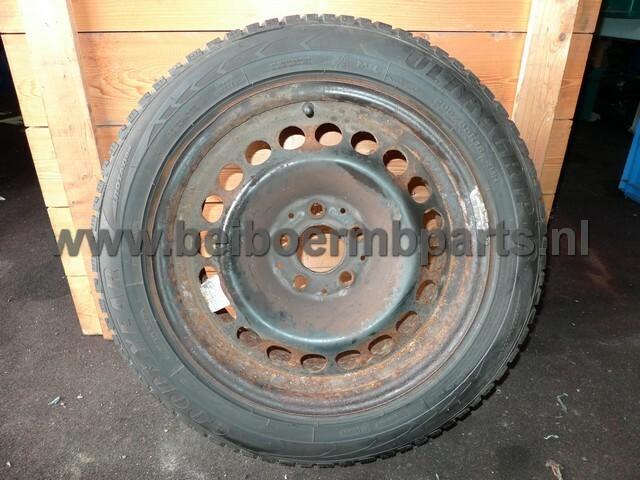 Velg staal Mercedes set 203 16 inch 7J ET 31 met winter banden 205/55 16 banden 2x 7,2 mm 2x 4,7 mm