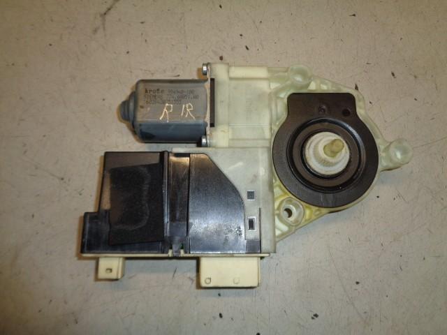 Raammotor rechtsvoor 5-deurs Citroen C4 I 1.6 HDI Image ('04-'10) 16028420251555