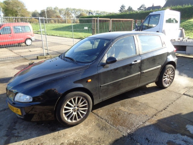 Portiergreep linksvoor buiten chroom Alfa Romeo 147 1.6 T.Spark Distinctive ('00-'10)