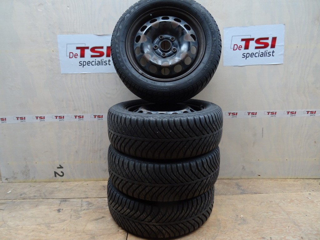 Winterset Stalen velg + 4 Season Band 205/55/16 5X112 VAG