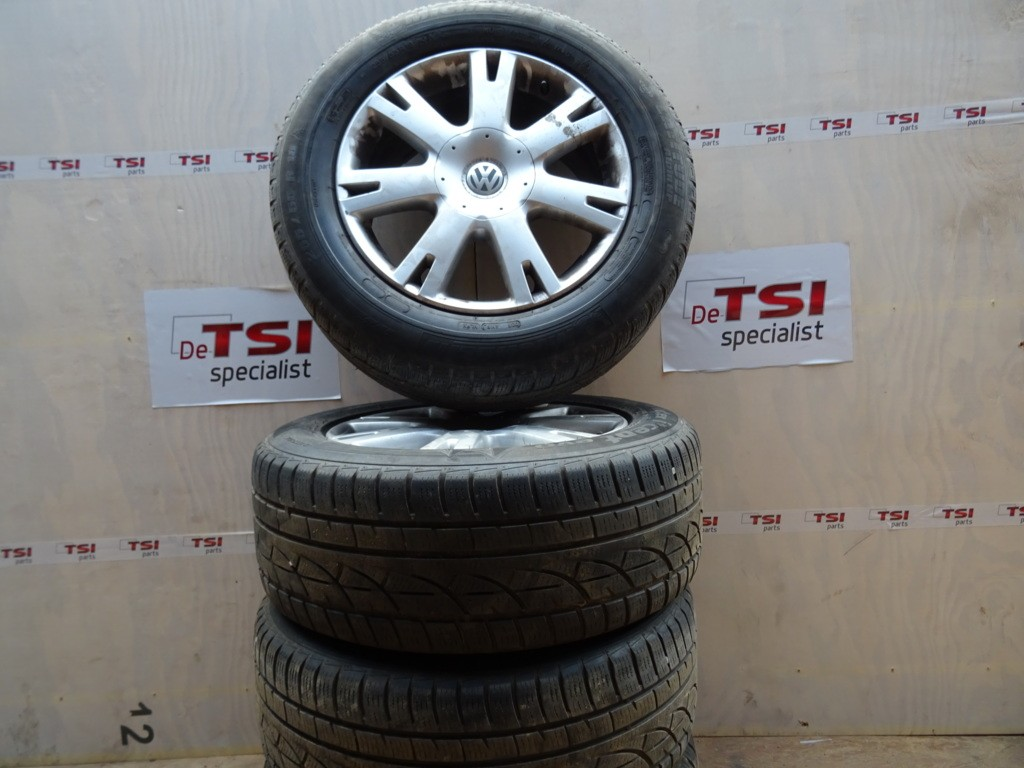 Velgenset 7L6601025K 255/55/18 5X130 VW Touareg Winterband