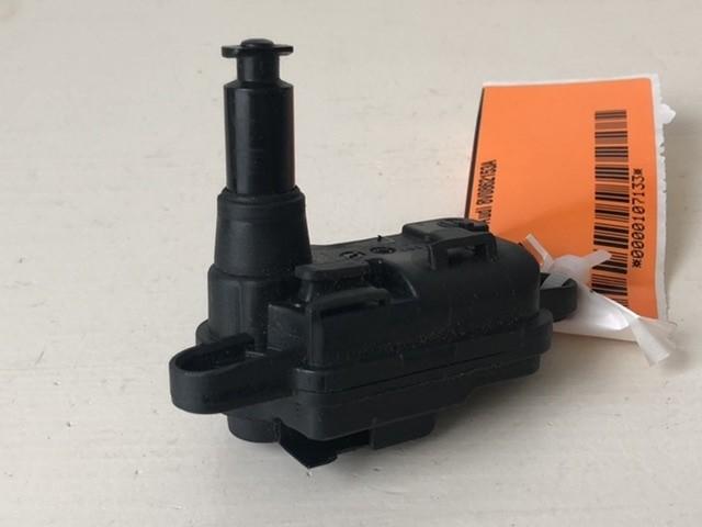Tankklepvergrendelingsmotor 8V0862153A Audi A3 Hatchback