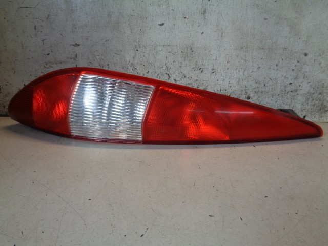 Achterlicht links Ford Mondeo Wagon III 1.8-16V Collection ('00-'07) 1S7113A603CC