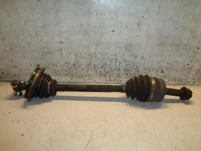 Aandrijfas linksvoor Volvo S40 I 1.8 ('96-'03) 8251754