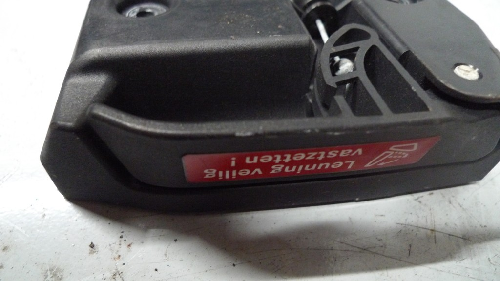 Achterbankslot A2029200264 greep ontgrendeling rugleuning r.a. Mercedes 202/211