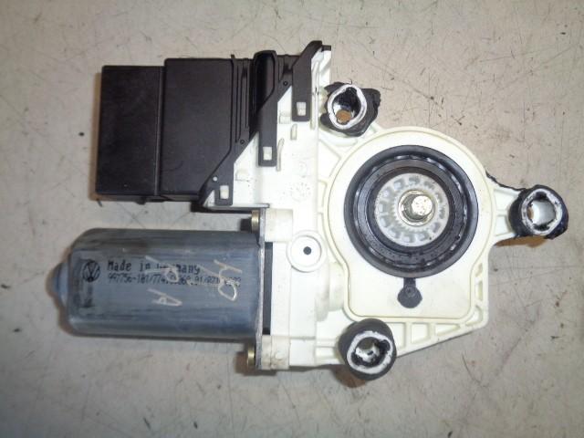 Motor raammechaniek rechtsachter 5-deurs Volkswagen Golf V 1.6 FSI Comfortline ('03-'08) 1K4839401C