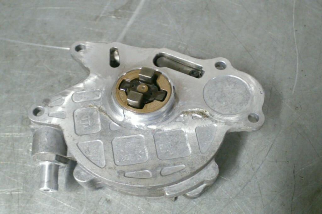 Vacuumpomp03L145100F 2.0TDI VAG