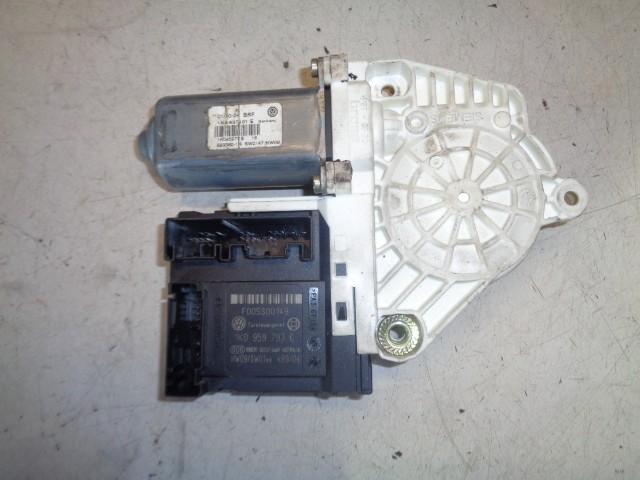 Raammotor linksvoor 5-deurs Volkswagen Golf V 1.6 FSI Comfortline ('03-'08) 1K4837401E