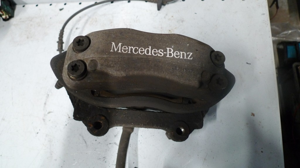 Remklauw Mercedes 211/220 l.v. A0024202383