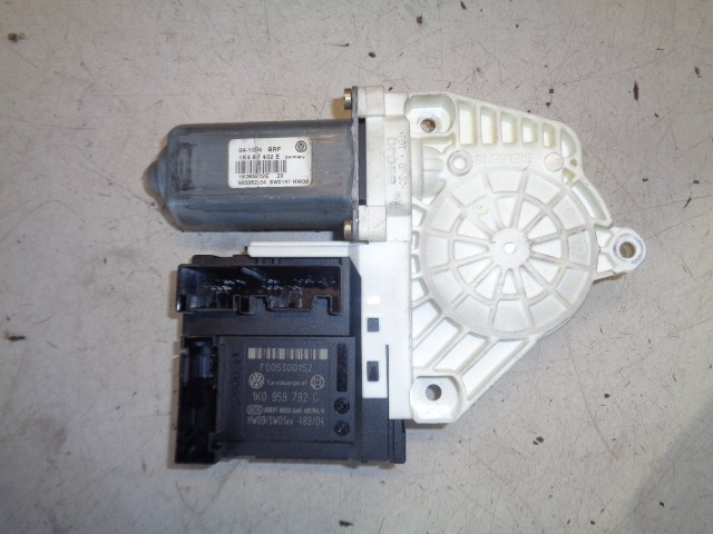 Motor raammechaniek rechtsvoor 5-deurs Volkswagen Golf V 1.6 FSI Comfortline ('03-'08) 1K4837402E