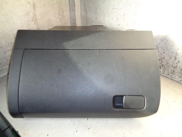 Dashboardkastje zwart Volkswagen Polo 6R ('09-'14) 6R1857097