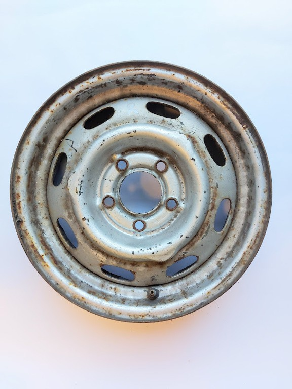 Volvo Amazon 220 station Stalen velg staal 670451 4,5J