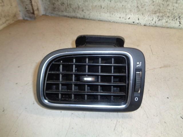 Dashboard luchtrooster linksvoor zwart Volkswagen Polo 6R 1.2 TDI BlueMotion Trendline ('09-'14) 6RF819703A