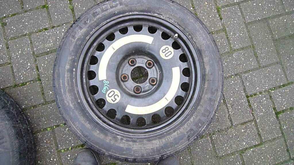 Thuisbrenger Mercedes 212 reservewiel 212 48X17H2ET34 met band 155/70R17