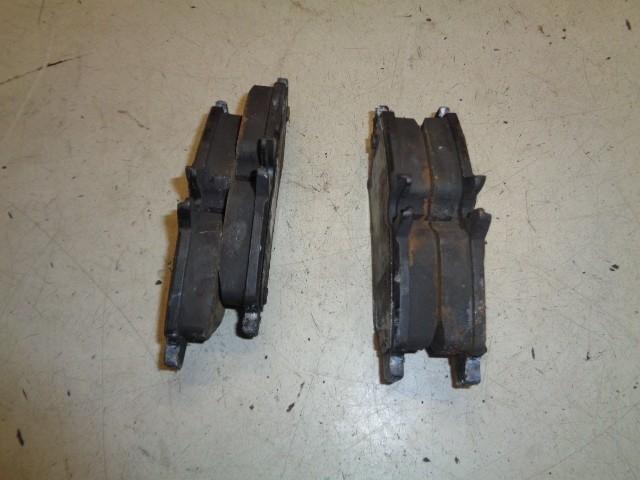 Remblokken achter Volkswagen Crafter Bestel I 32 2.5 TDI L3H3 9001348