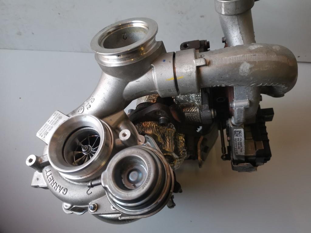 Turbo 059145061AE voor Audi A6 3.0 BITURBO
