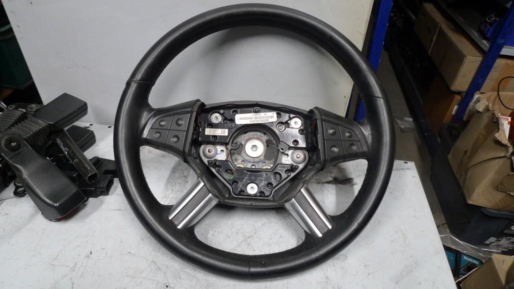 Stuur Mercedes 164/251 zwart leer A16446051039E37 bedieningsknoppen kleven