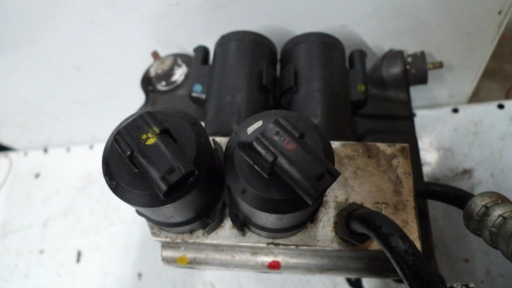 Ventielblik hydraulische vering Mercedes 220 A2203200358