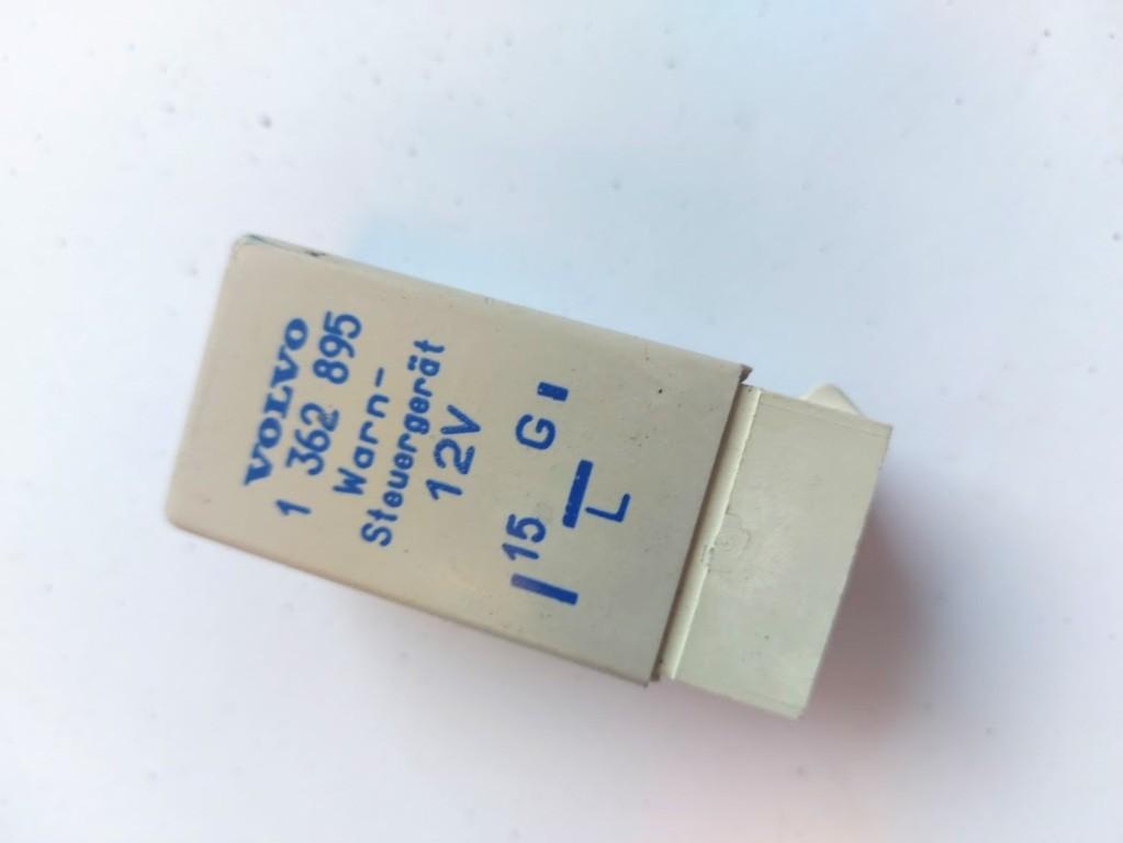 Relais gordel waarschuwingVolvo 960 2.5 ('90-'96)1362895