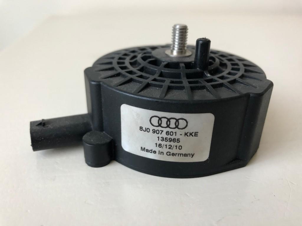 Actuator motor geluid  8J0907601KKE Audi Volkswagen