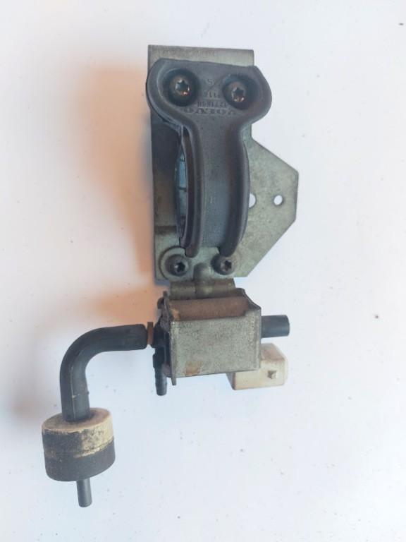 Volvo 960 2.5 ('90-'96)7.21593.02 Pierburg magneet ventiel