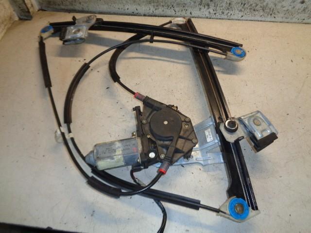 Raammechaniek linksvoor 3-deurs elektrisch Volkswagen Polo 6N1 1.6 ('94-'00) 6N3837461D