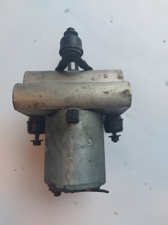 ABS pompVolvo 960 2.5 24V ('90-'96) 0265205010