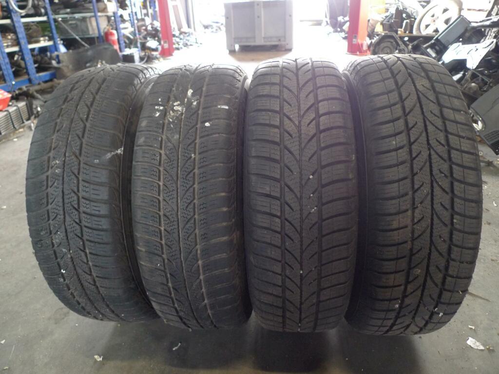 Velgset Mercedes 169 staal A1694000402  met 4-season band 185/65R15 2x als nieuw 2x iets minder