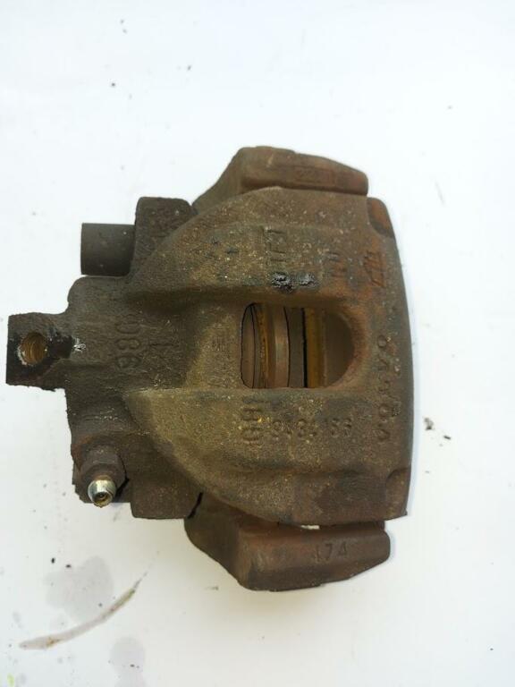 Remklauw rechts achterVolvo S60 I 2.4 T ('00-'09)8251313