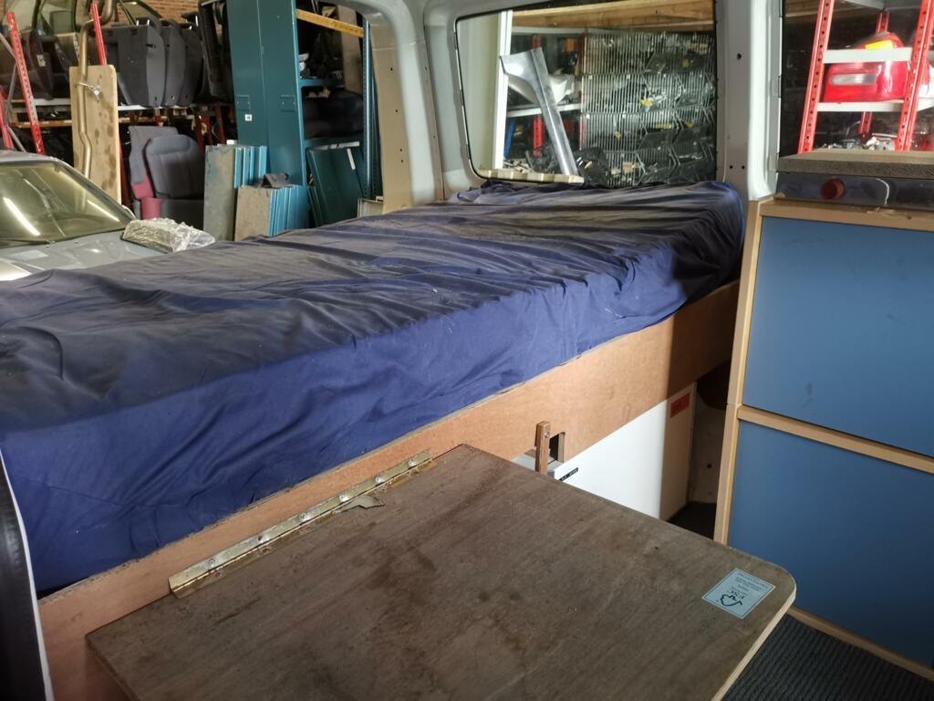 Camper interieur delen