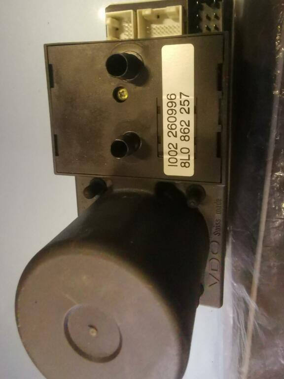 Vergrendeling vacuumpomp ORIG. Audi A3 8P ('03-'12)